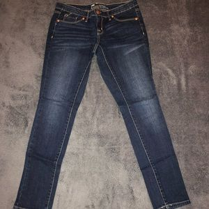 NWOT Mossimo Skinny Jeans Size 2